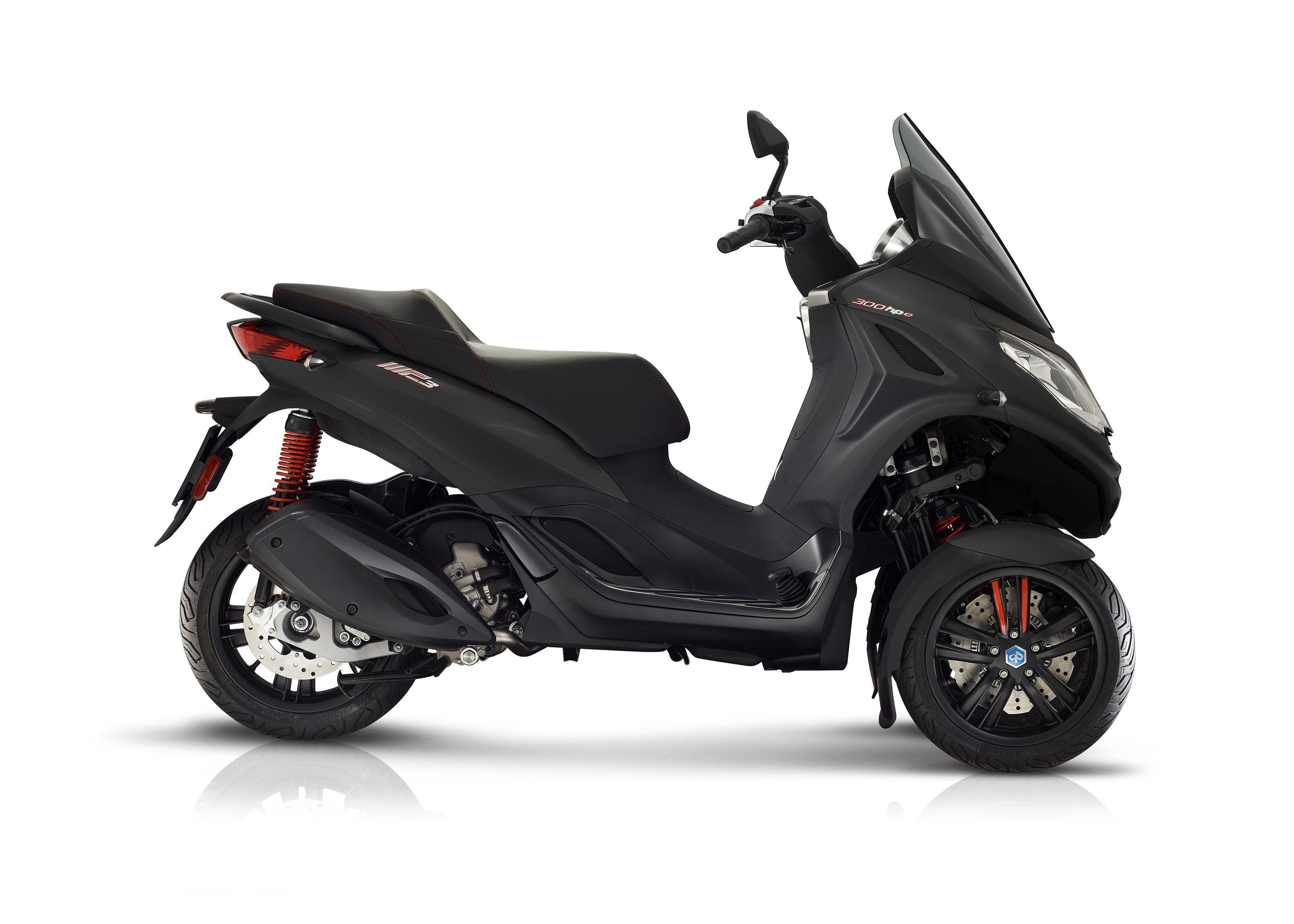 Piaggio-MP3-300-Sport-black-matt