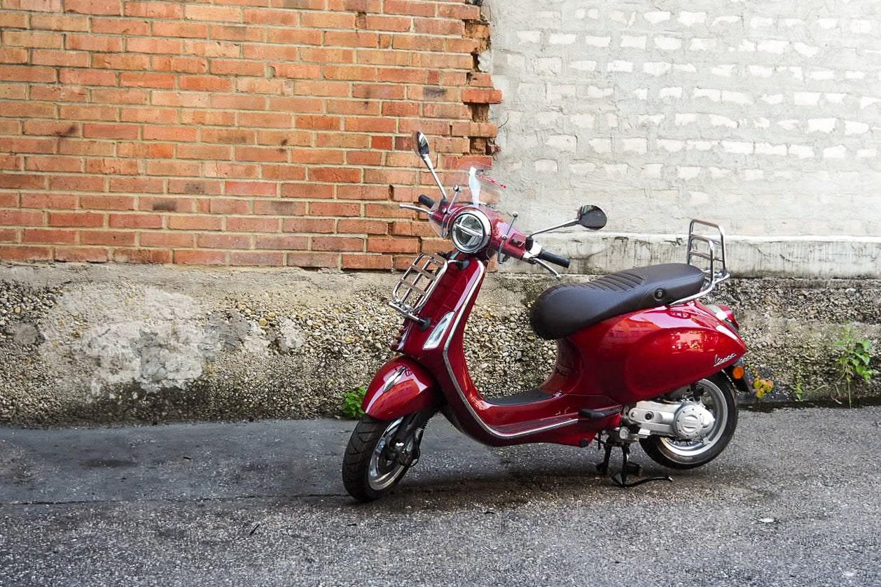 vespa-modelle-vespa-primavera-50_125-touring-12-roller-motorrad