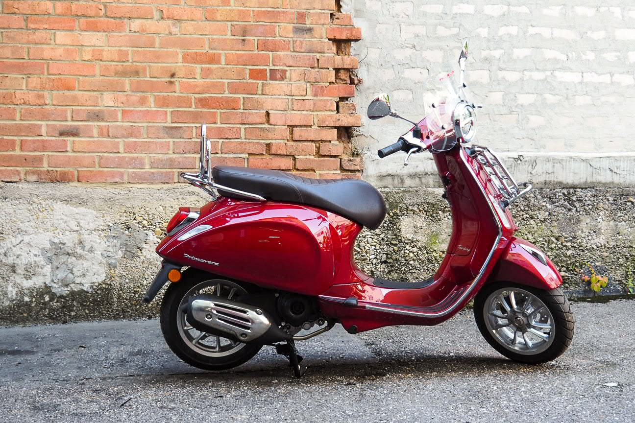 vespa-modelle-vespa-primavera-50_125-touring-13-roller-motorrad