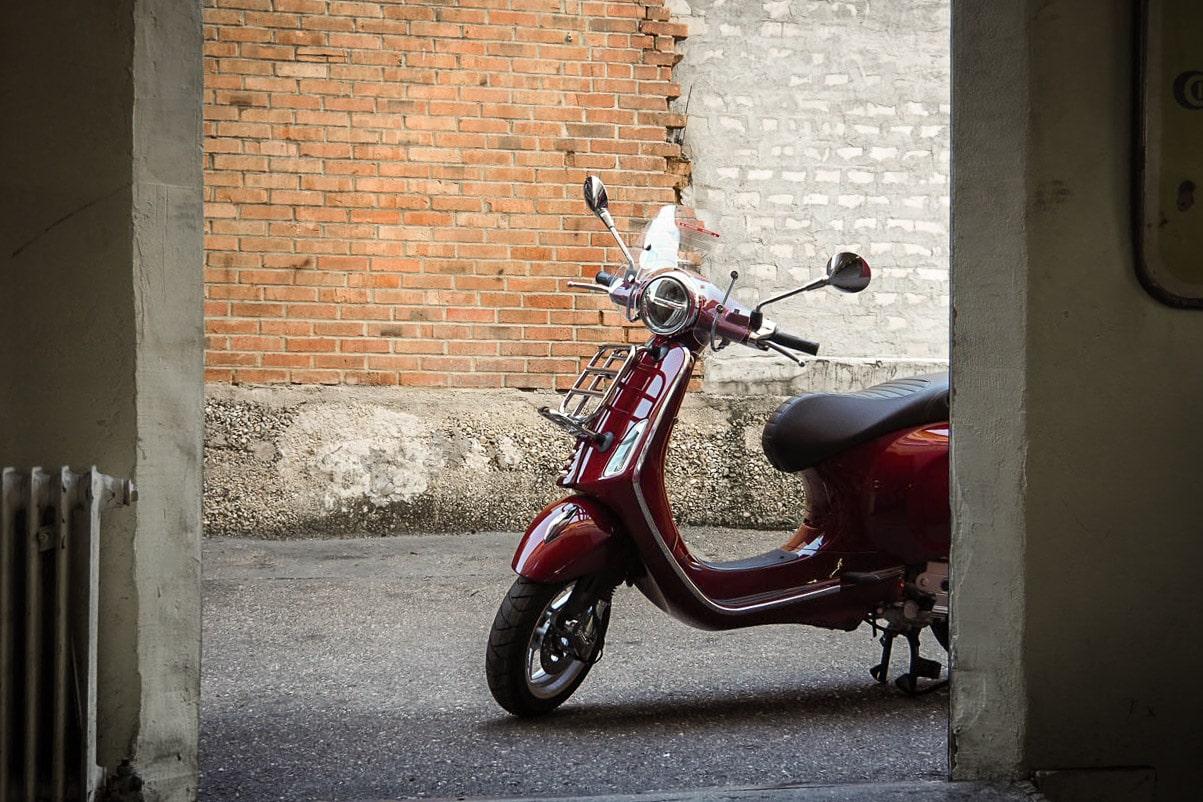 vespa-modelle-vespa-primavera-50_125-touring-14-roller-motorrad